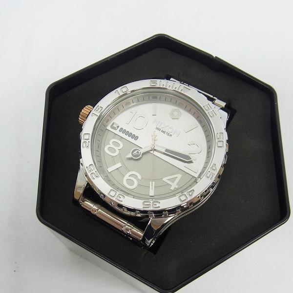 高価買取アイテムのNIXON/ニクソン STAR WARS QUARTZ WATCH SILVER A172SW-2445-00/スターウォーズ クオーツ 腕時計 シルバー A172SW-2445-00の買取上限価格は10,000円